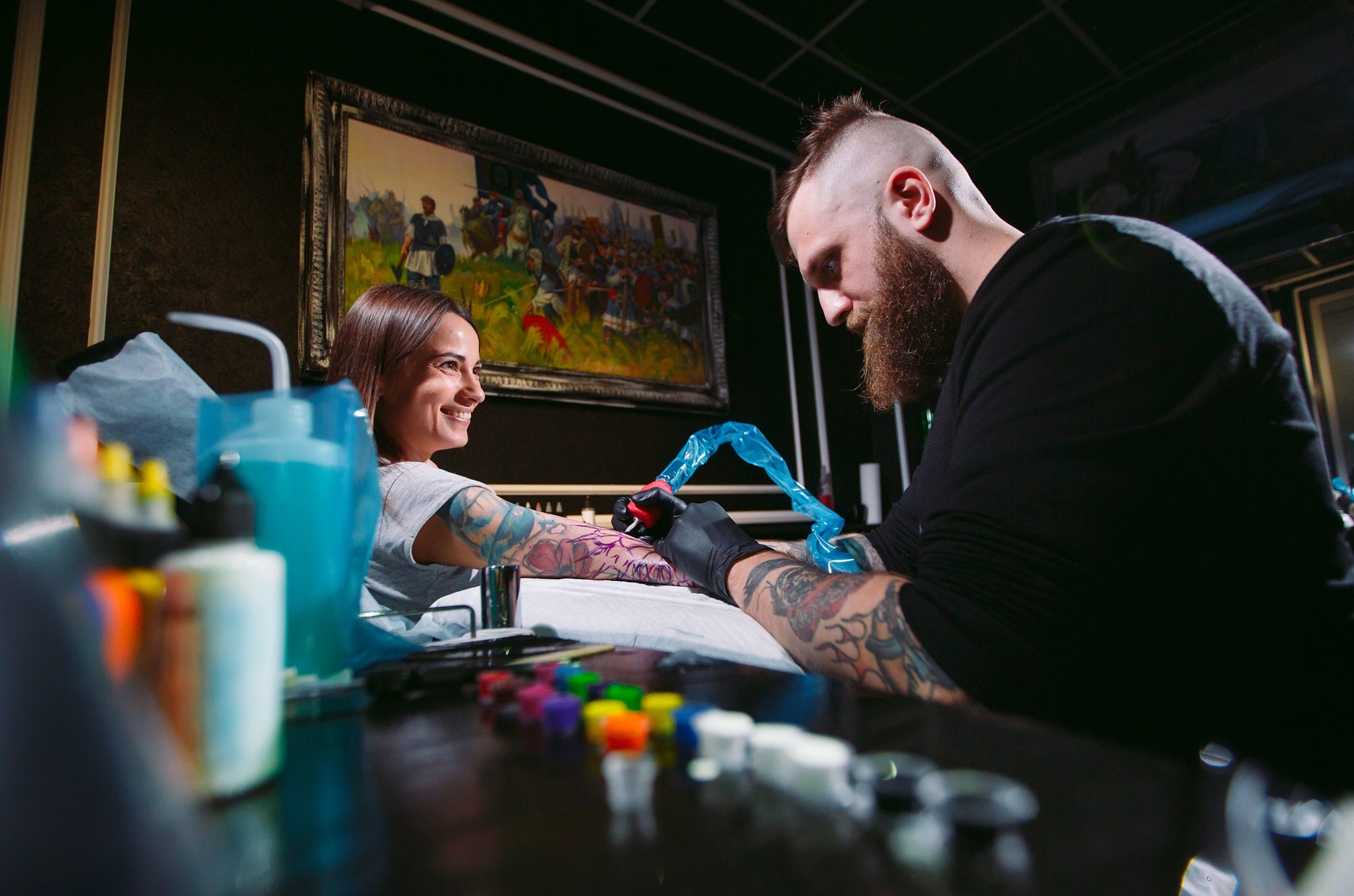 Jak zacząć tatuować? Ucz się z Dziaraj.pl i Perfect Skin